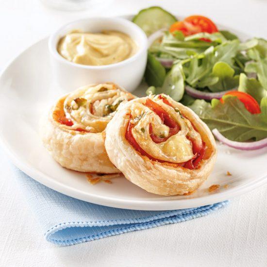 Roulés chauds au jambon et fromage suisse
