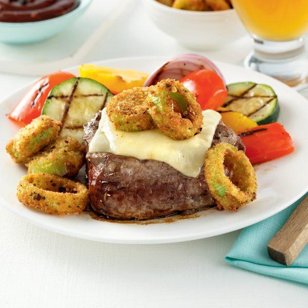 Filet mignon au fromage suisse et aux poireaux frits