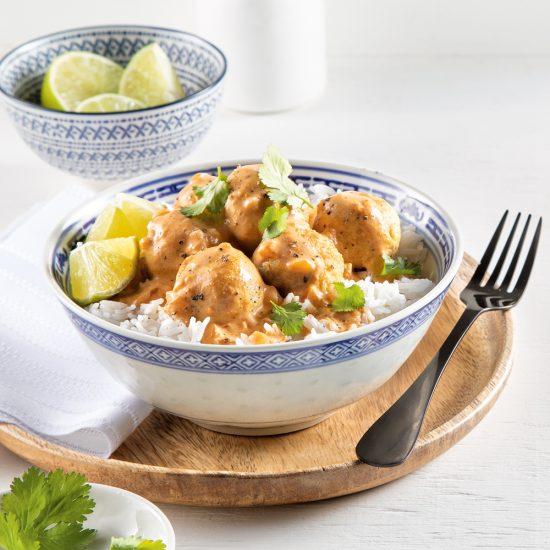 Boulettes de poulet, sauce cari et coco