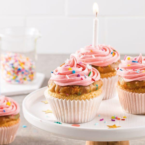 Cupcakes gâteau de fête à la pâte à biscuits