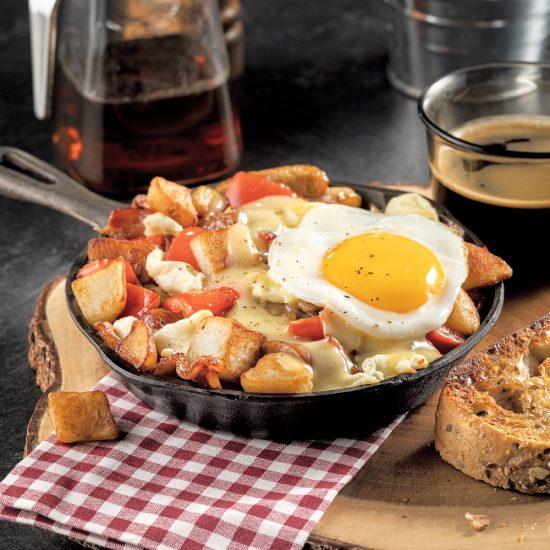 Cassolette déjeuner de pommes de terre à l'érable et fromage en grains