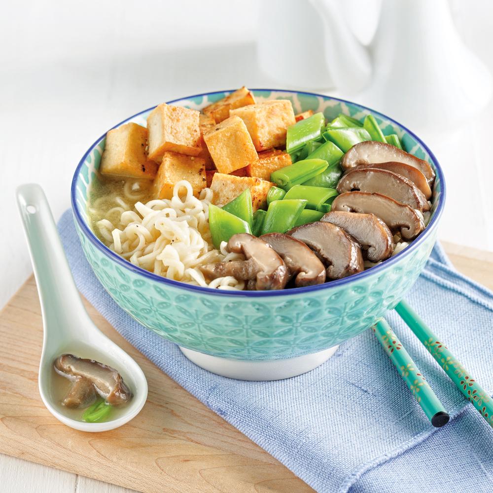 Soupe ramen au tofu et champignons shiitake
