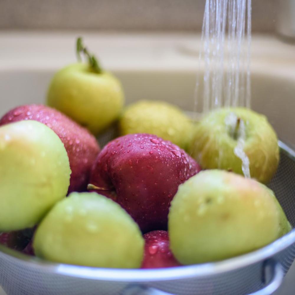 Comment laver efficacement les fruits et légumes