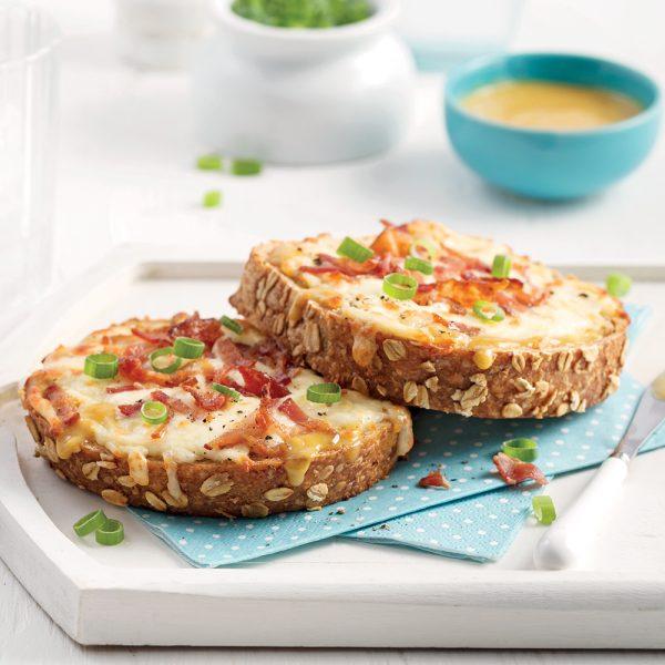 Croque-monsieur au fromage suisse et bacon