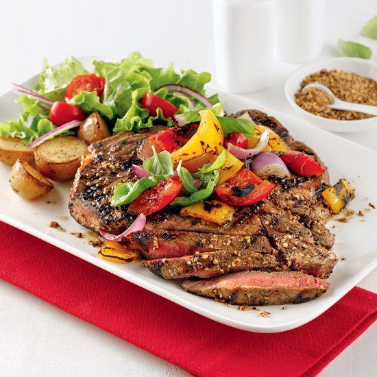 Steak d'aloyau grillé en croûte d'épices