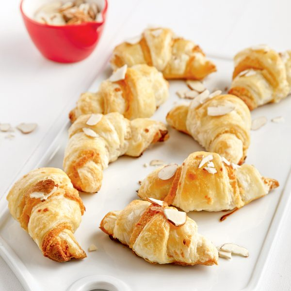 Mini-croissants à la pâte d'amandes