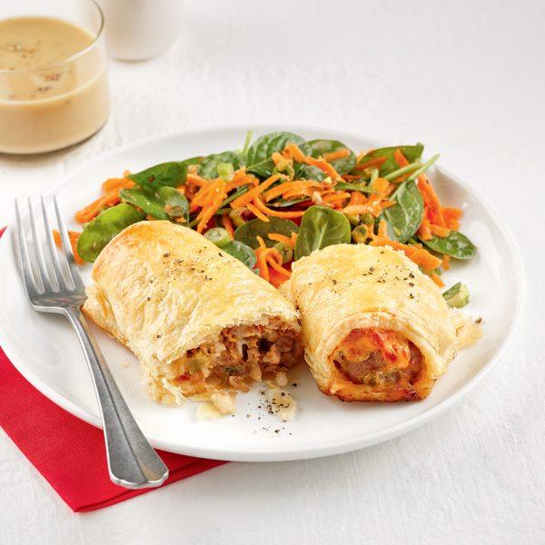 Roulés de saucisses au fromage et pesto
