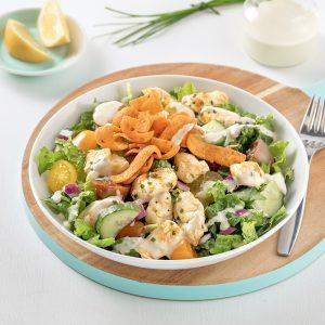Salade crémeuse au fromage en grains