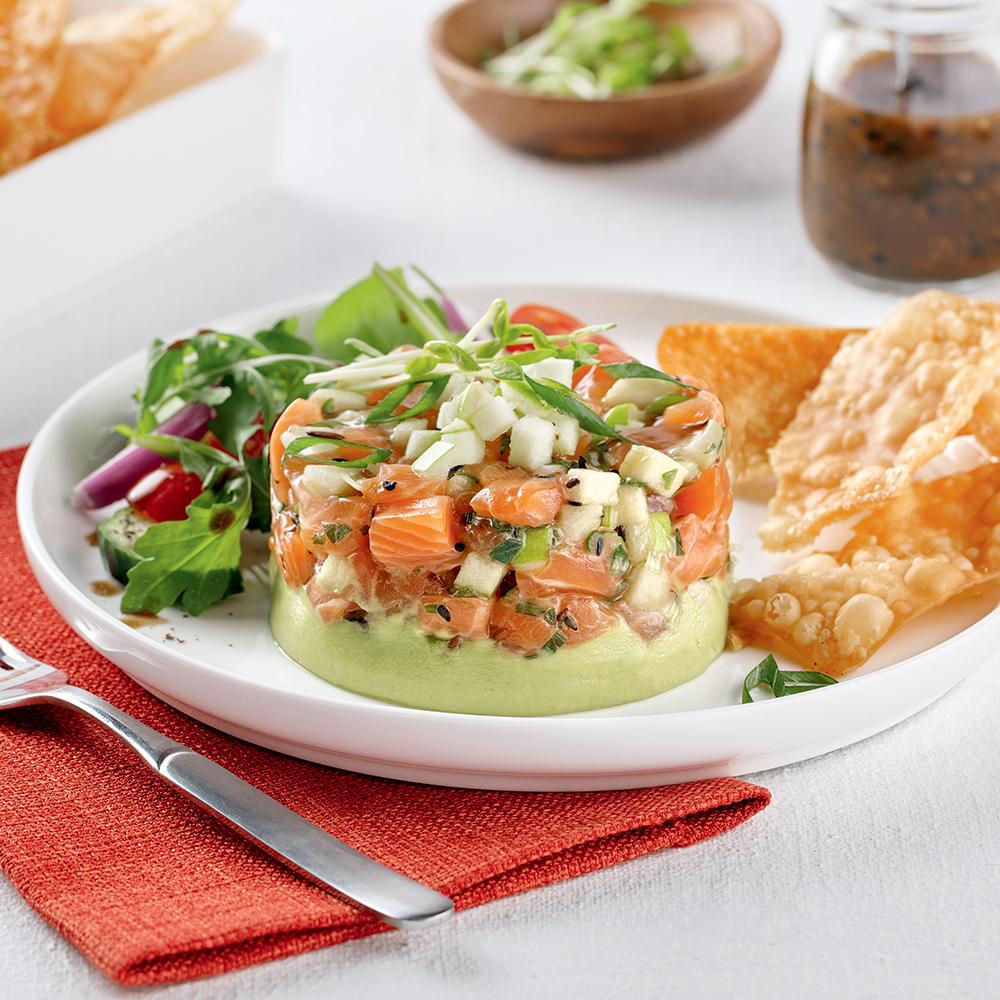 Tartare de saumon, pomme verte et guacamole