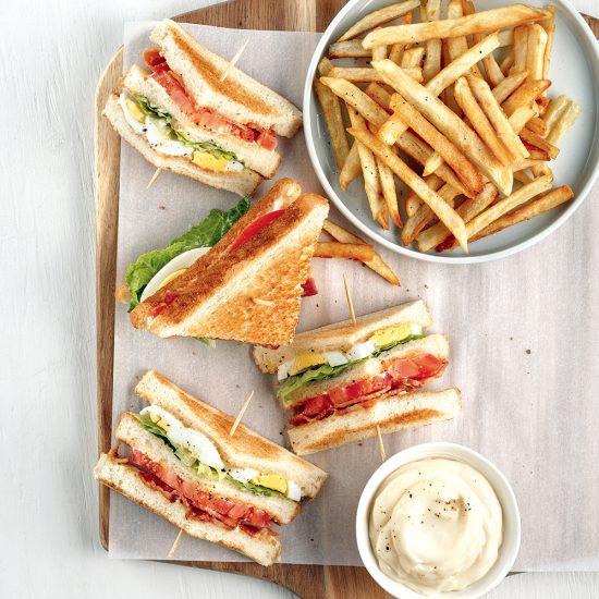 Club sandwich aux oeufs