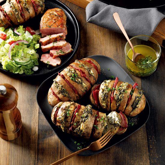 Poitrines de canard grillées, pommes de terre hasselback