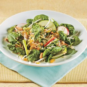 Salade d'épinards et pommes à l'asiatique