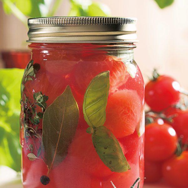 Conserve de tomates au basilic