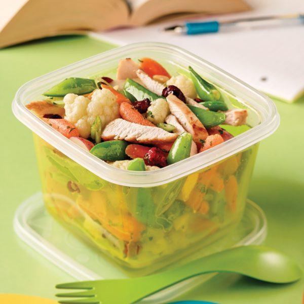 Salade de poulet et légumes cuits