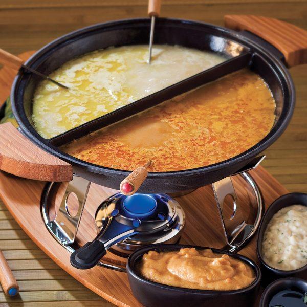 Duo de fondue à l'indonésienne