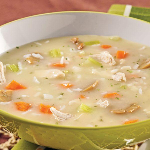Soupe-repas crémeuse au poulet et riz