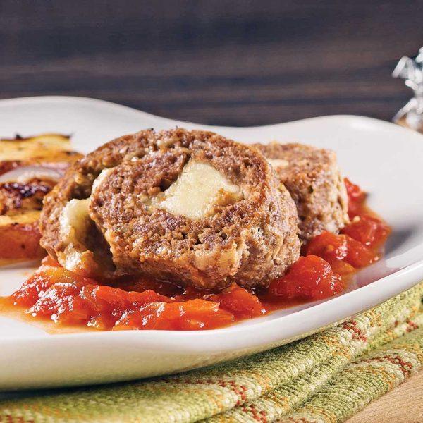 Spirales de pain de viande farci au fromage et pommes de terre au four