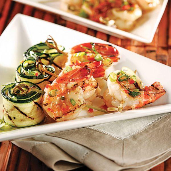 Crevettes grillées et courgettes marinées