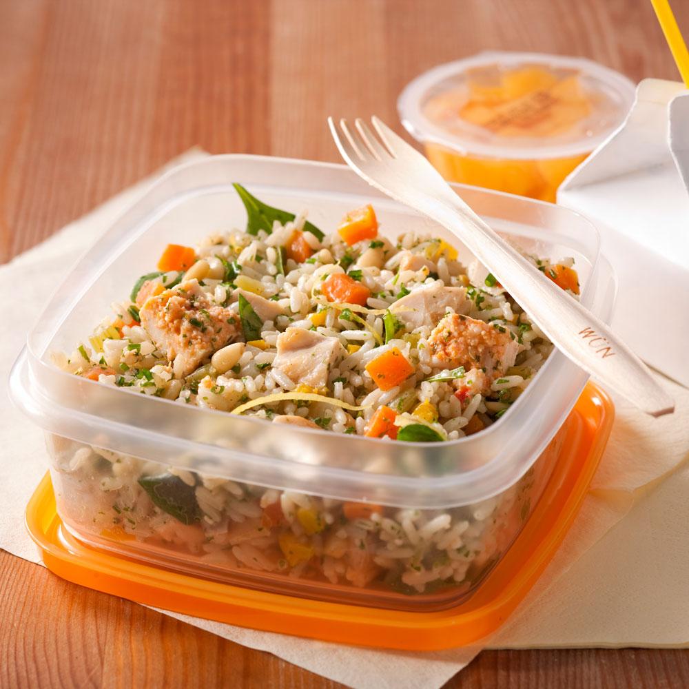 Salade de riz au poulet et aux fines herbes