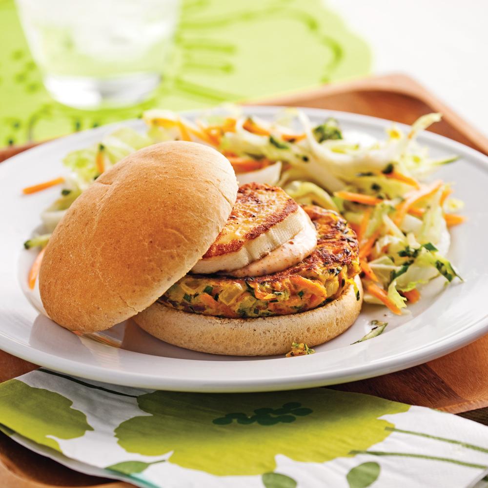 Burgers aux galettes de légumes et fromage grillé