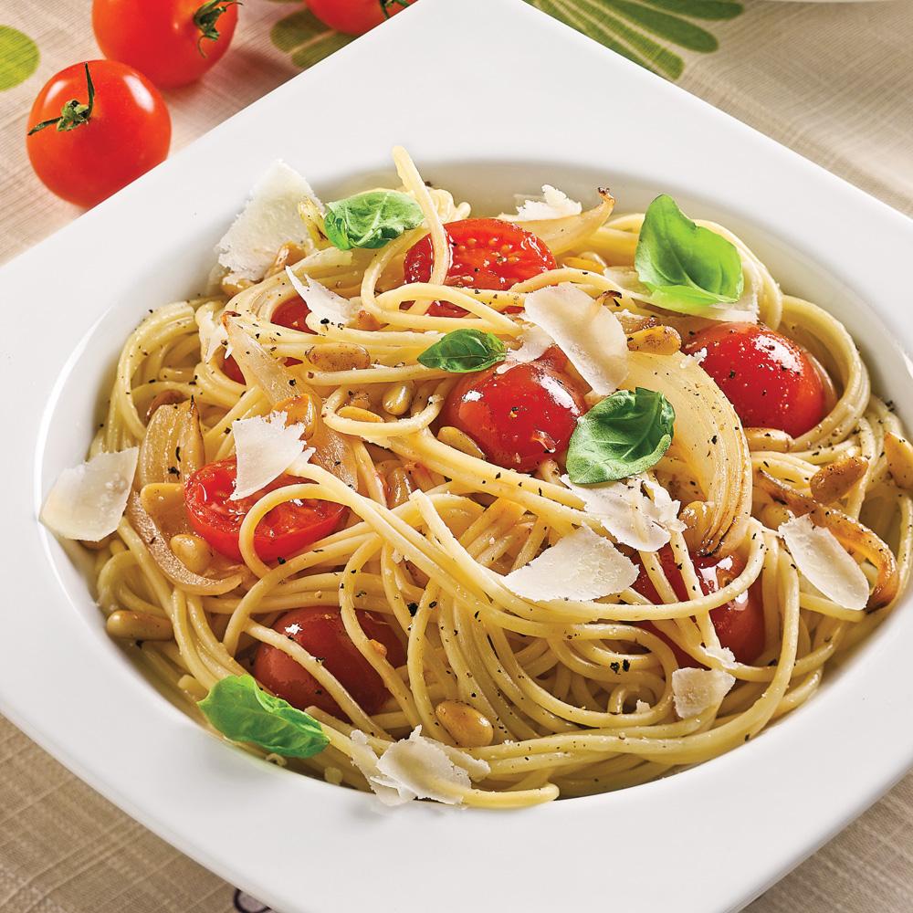 Spaghettis aux tomates cerises et noix de pin