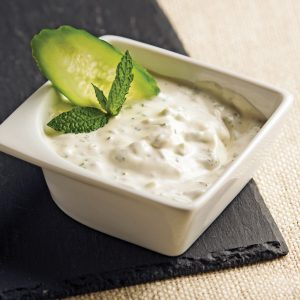 Sauce pour fondue yogourt, menthe et concombre