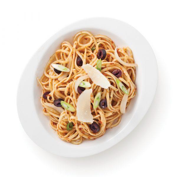 Linguines au pesto de tomate et olives