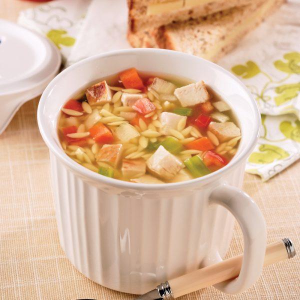 Soupe-repas au poulet et orzo