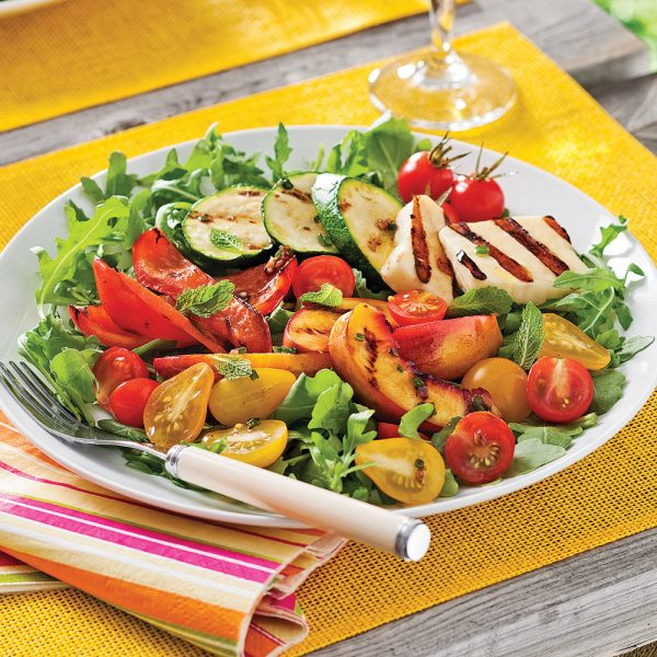 Salade vitaminée au fromage grillé
