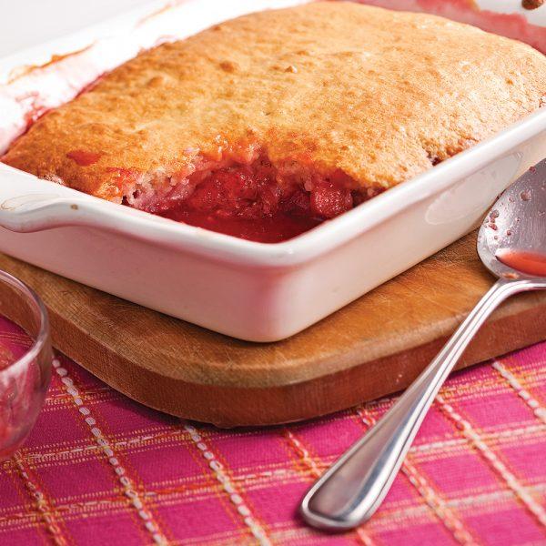 Pouding aux fraises et rhubarbe