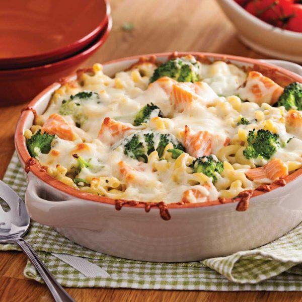 Macaroni gratiné au saumon et brocoli