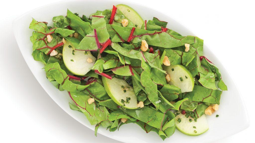 Salade de mini-bettes à carde aux pommes et noix