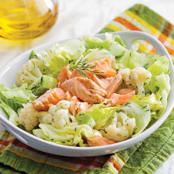 Salade de saumon poché et pommes, vinaigrette aux agrumes