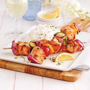 Brochettes de saumon à la méditerranéenne