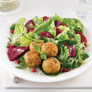 Salade de falafels aux betteraves grillées