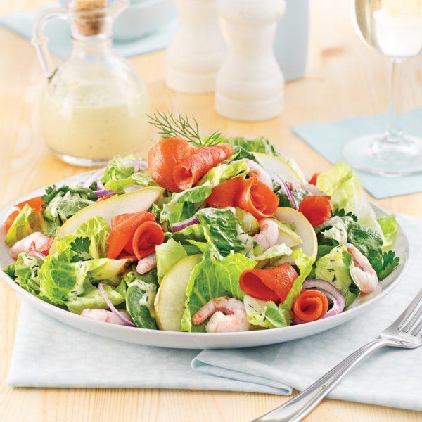 Salade de crevettes nordiques, saumon fumé et poires