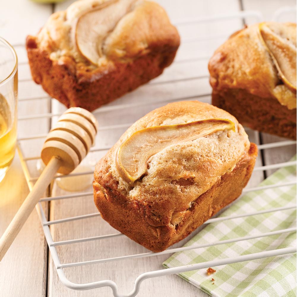 Mini-pains aux poires, miel et cardamome