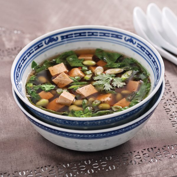 Soupe-repas asiatique au tofu, miso et edamames