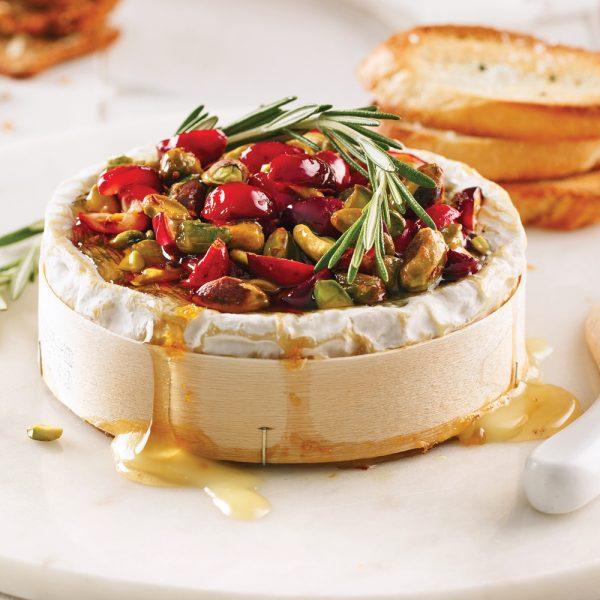 Camembert fondant aux canneberges et pistaches