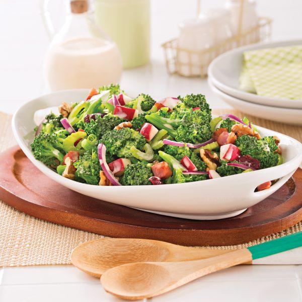 Salade de brocoli, pommes et pancetta