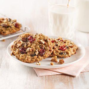 Biscuits à la purée de dattes, chocolat, canneberges et pacanes