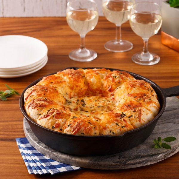 Pizza à partager aux saucisses kale et parmesan