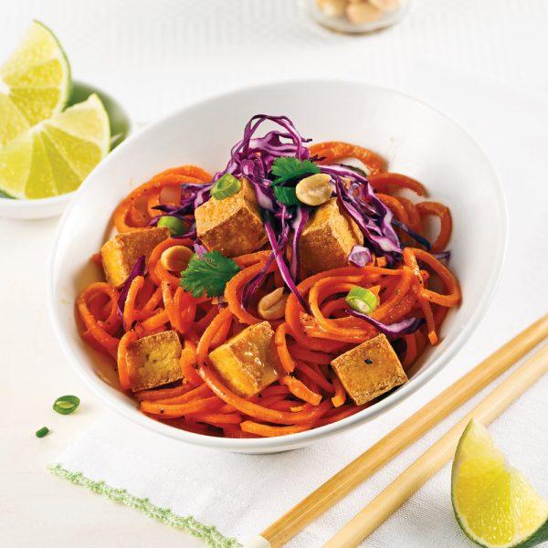 Pad thaï au tofu, patate douce et carottes