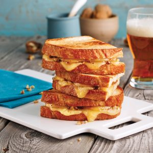Grilled cheese au fromage fumé et poires