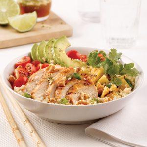 Salade de quinoa style poke bowl