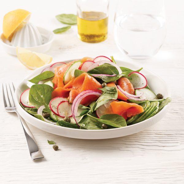 Salade d'épinards au saumon fumé et huile citronnée