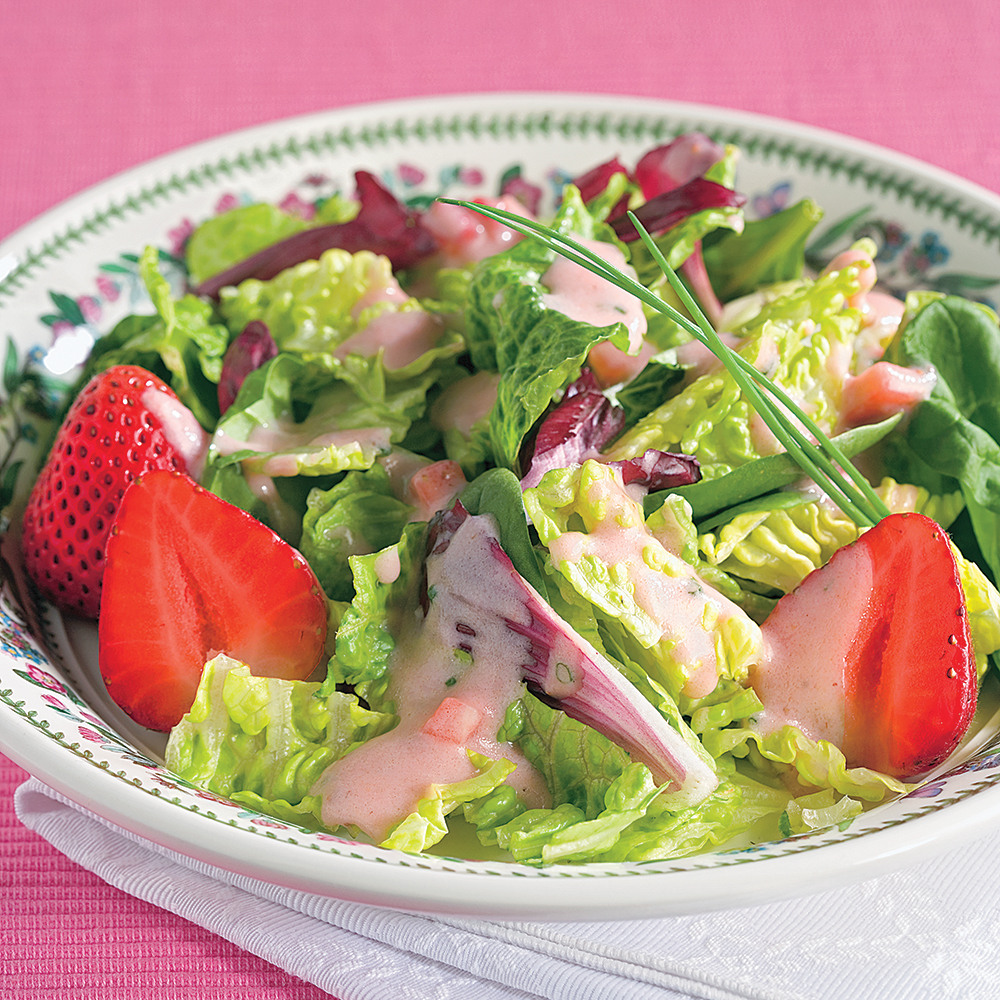 Salade mixte, vinaigrette aux fraises