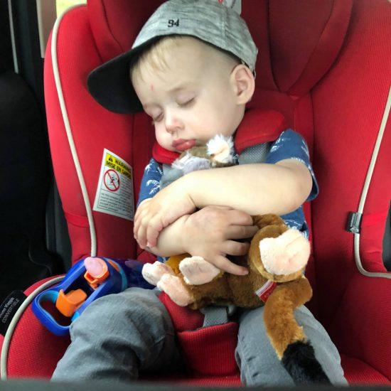 10 trucs pour occuper les enfants en voiture