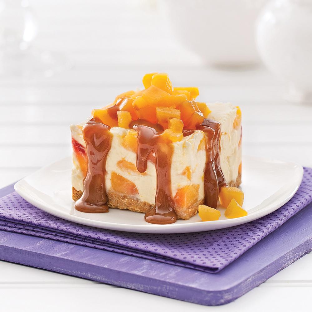 Dessert glacé au yogourt, mangue et pêche