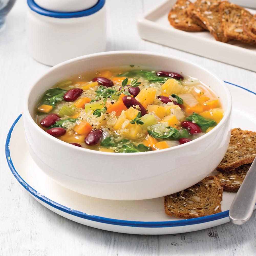 Soupe-repas aux légumes et quinoa